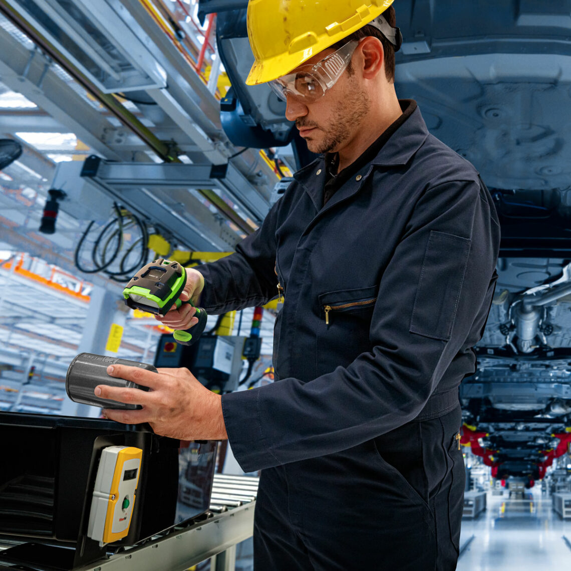 Worker Scanning Part for Cold Storage with a 3600 Series Ultra-Rugged Barcode Scanner